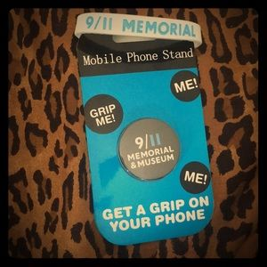 Accessories - phone stand 9/11 memorial & museum W bracelet